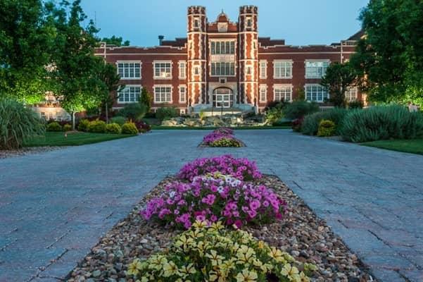 Kansas Wesleyan University >> Kansas Wesleyan University Colleges Of Distinction