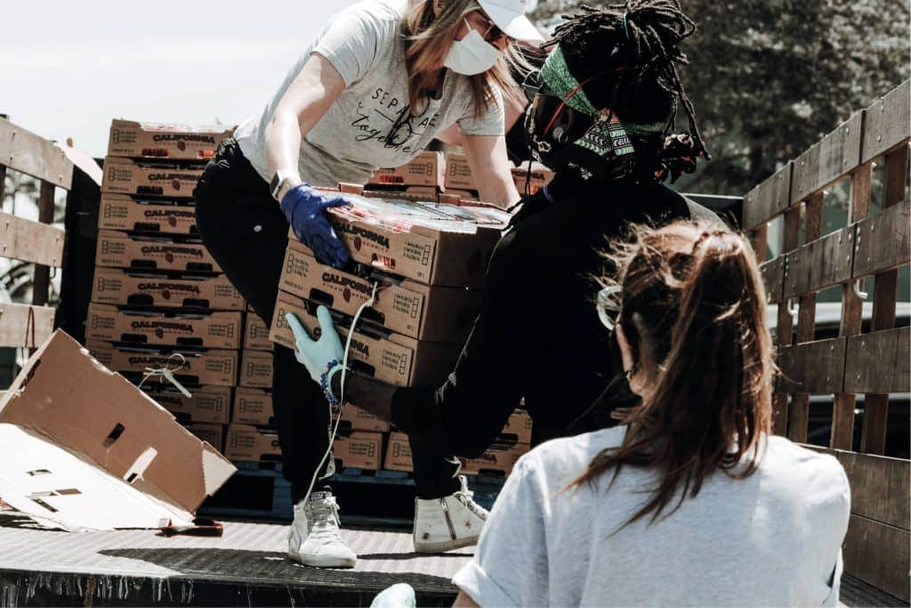 Students Volunteering During Covid-19